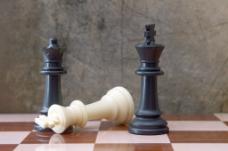 下棋对垃圾背景