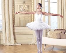 芭蕾舞女人(分层不精细)图片