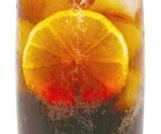 的柠檬可乐冷饮
