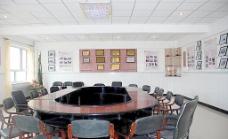 根河一中校史室内景图片