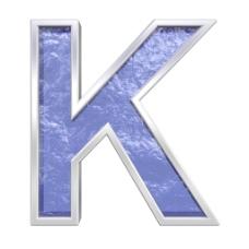 从蓝色玻璃铸造字母集的一封信