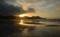 海滩日出图片