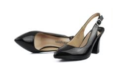 黑色高跟鞋图片