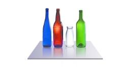 各种颜色的逼真玻璃瓶
