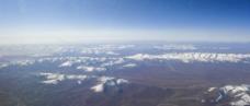 航拍雪山图片