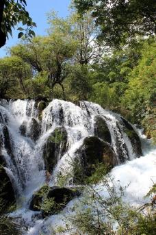 九寨沟的山与水图片