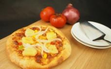 白洋葱菠萝披萨图片