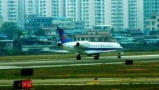 航空客机掉头起飞图片