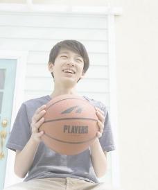 篮球男孩图片