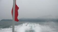 雾中灵山岛图片