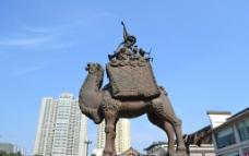 骆驼雕塑图片