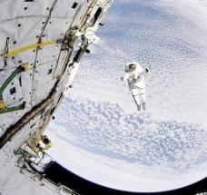 登陆月球图片